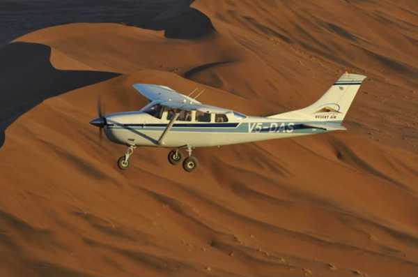 Flying over the Namib dunes