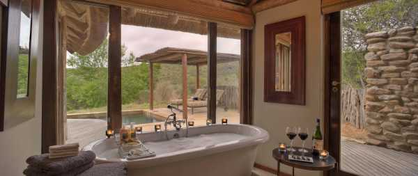 Kwandwe Great Fish River Lodge suite bathroom