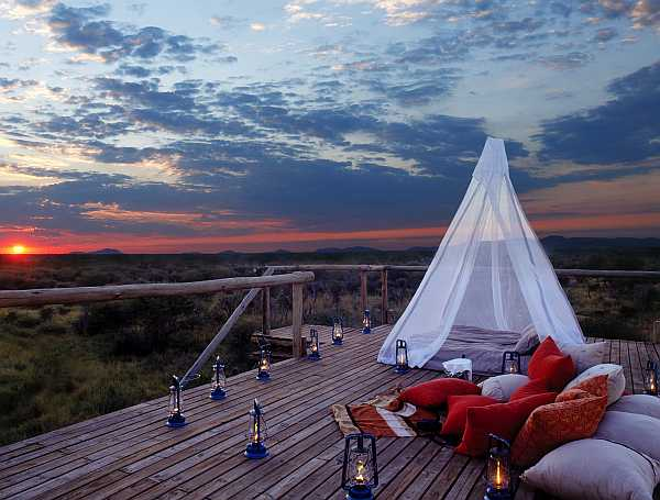 Makanyane romantic Sleep Out Hide
