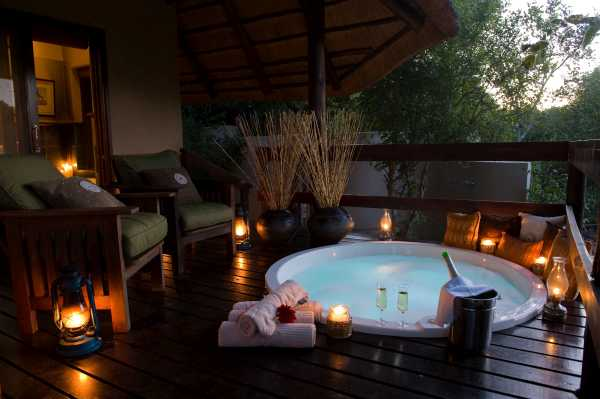 Sabi Sabi Little Bush Camp private jacuzzi