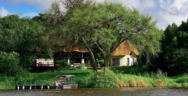 Waterberry Lodge on the banks of the Zambezi close to Victoria Falls